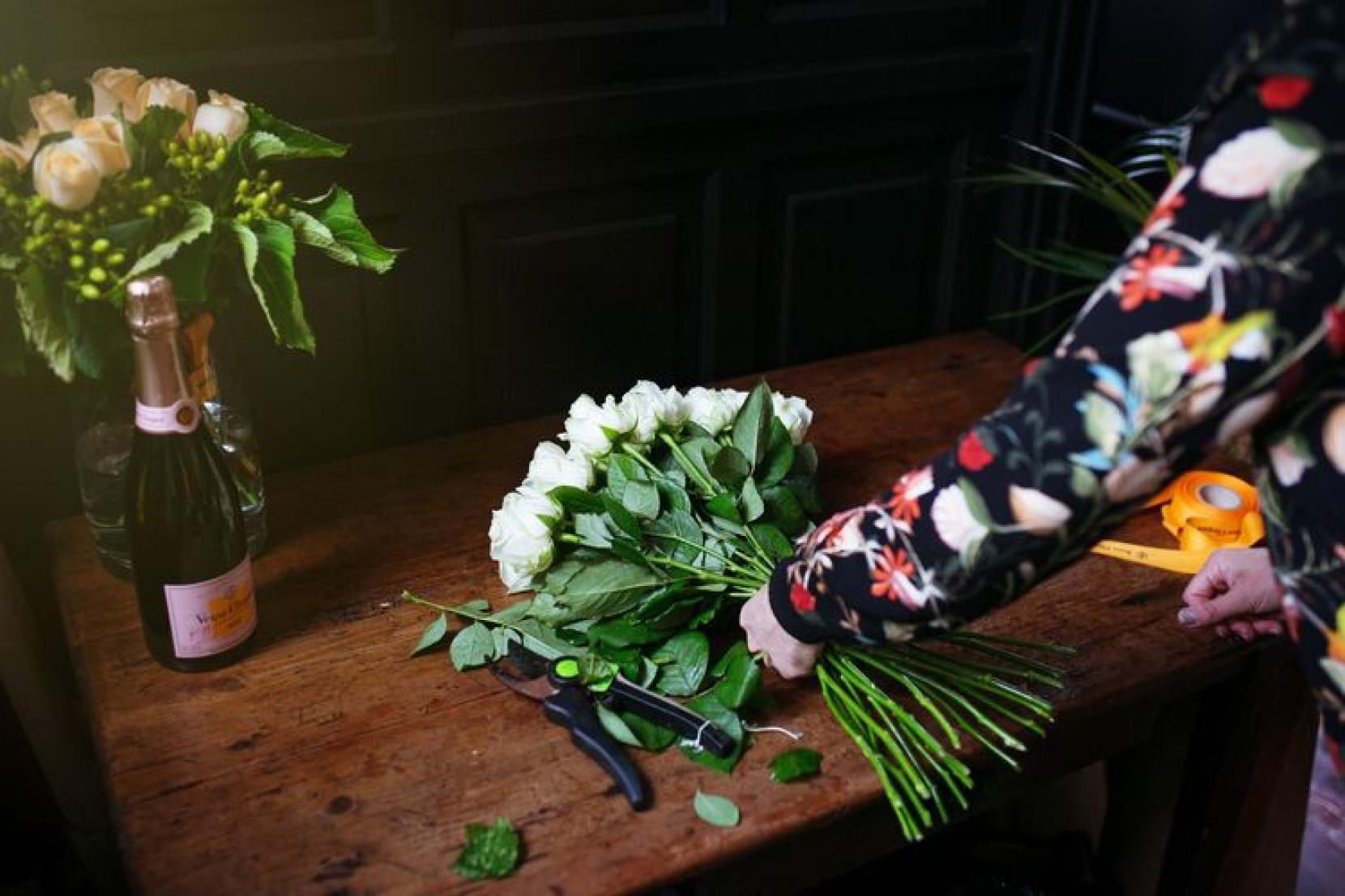 T shirt design queenstown - In The Pink S Expert Florist Victoria Lund Has Teamed Up With Veuve Clicquot Ros And Queenstown Restaurant Rata To Offer A Floral Masterclass With