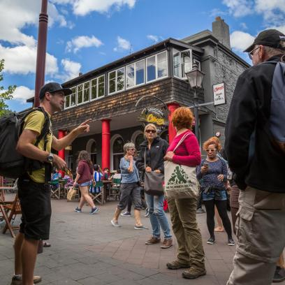 discover queenstown on a free walking tour
